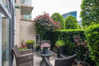 """Photo 3: 168 BOATHOUSE Mews in Vancouver: Yaletown Townhouse for sale in """"Marinaside Resort"""" (Vancouver West)  : MLS®# R2587224"""