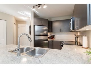 """Photo 10: 113 8915 202 Street in Langley: Walnut Grove Condo for sale in """"THE HAWTHORNE"""" : MLS®# R2444586"""