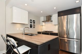"""Photo 13: 206 1618 QUEBEC Street in Vancouver: Mount Pleasant VE Condo for sale in """"CENTRAL"""" (Vancouver East)  : MLS®# R2262451"""