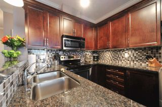 """Photo 2: 100 15268 18 Avenue in Surrey: King George Corridor Condo for sale in """"Park Place"""" (South Surrey White Rock)  : MLS®# R2243635"""