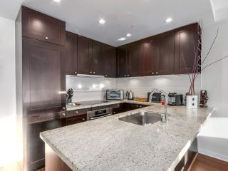 """Photo 2: 605 821 CAMBIE Street in Vancouver: Downtown VW Condo for sale in """"Raffles on Robson"""" (Vancouver West)  : MLS®# R2450056"""