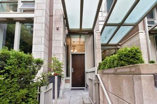"""Photo 5: 1057 RICHARDS Street in Vancouver: Downtown VW Townhouse for sale in """"THE DONOVAN"""" (Vancouver West)  : MLS®# R2623044"""