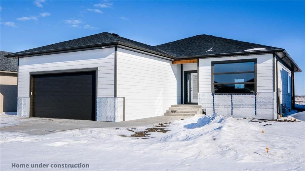 Main Photo: 27 Hawthorne Way in Niverville: Fifth Avenue Estates Residential for sale (R07)  : MLS®# 202026983