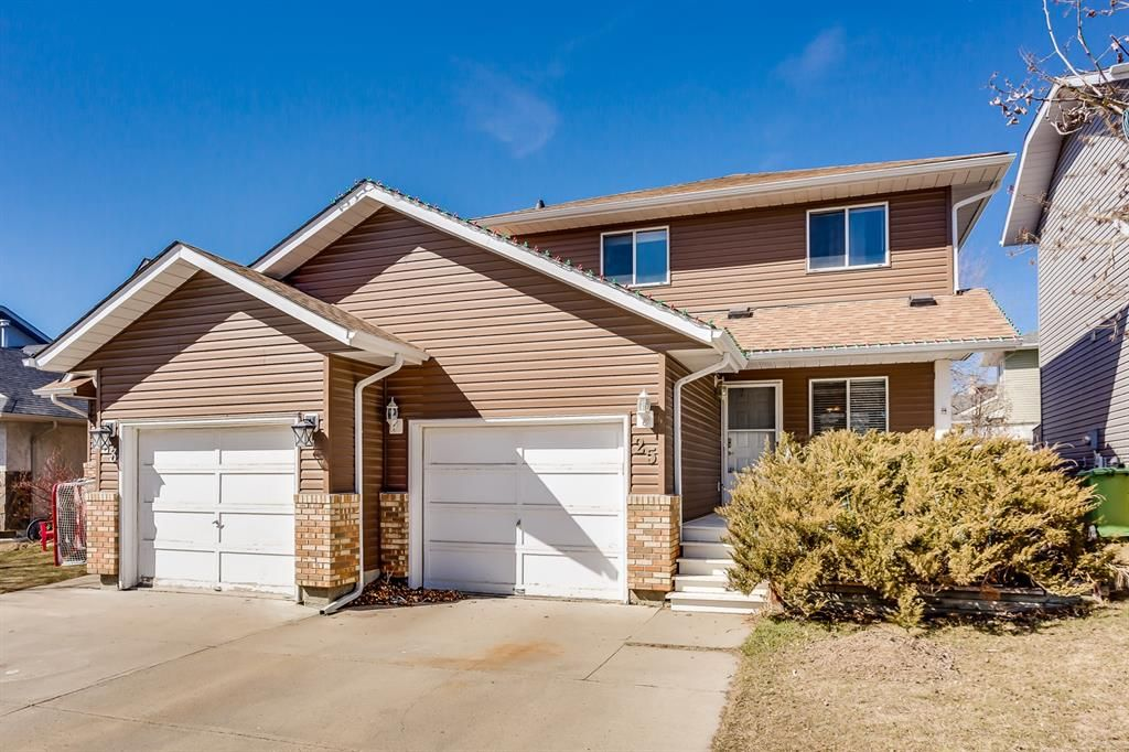 Welcome to 25 Eldorado Road. This Attached Home is close to one Creek Park and is Affordable.
