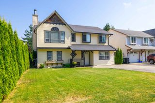 Photo 2: 26573 29B Avenue in Langley: Aldergrove Langley House for sale : MLS®# R2598515