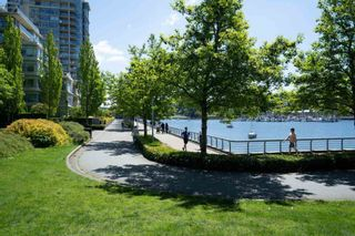 """Photo 5: 1907 1495 RICHARDS Street in Vancouver: Yaletown Condo for sale in """"Azzura Two"""" (Vancouver West)  : MLS®# R2580924"""
