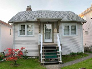 Photo 1: 3085 E 28 Avenue in Vancouver: Renfrew Heights House for sale (Vancouver East)  : MLS®# R2380742