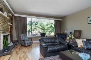 Photo 5: 2101 COMO LAKE Avenue in Coquitlam: Chineside House for sale : MLS®# R2546783