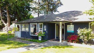 Photo 2: 5587 INLET Avenue in Sechelt: Sechelt District House for sale (Sunshine Coast)  : MLS®# R2583148