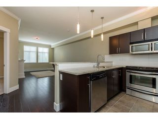 """Photo 4: 209 2632 PAULINE Street in Abbotsford: Central Abbotsford Condo for sale in """"Yale Crossing"""" : MLS®# R2380897"""