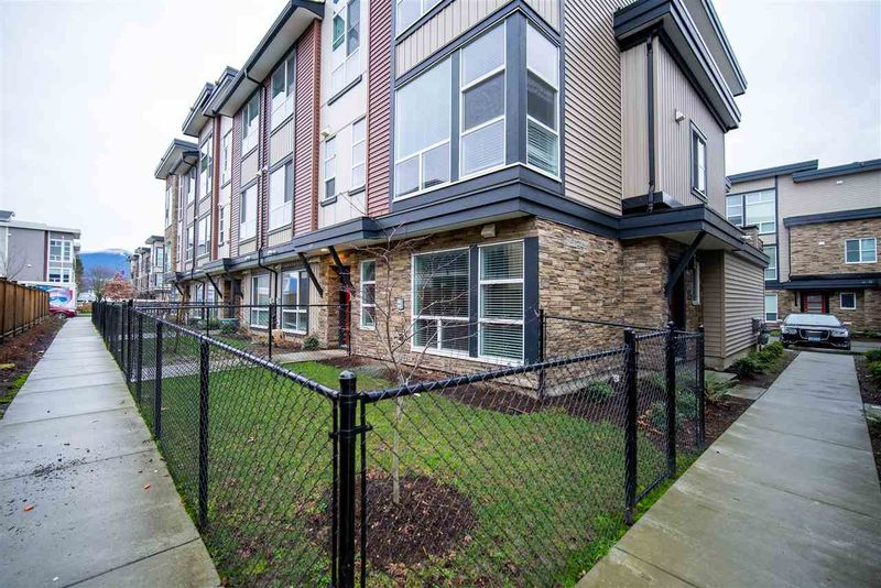 FEATURED LISTING: 104 - 8413 MIDTOWN Way Chilliwack