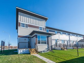 Photo 2: 130 SKYVIEW Circle NE in Calgary: Skyview Ranch Row/Townhouse for sale : MLS®# C4266711