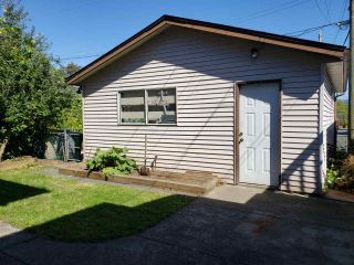 Photo 3: 530 KASLO Street in Vancouver: Renfrew VE House for sale (Vancouver East)  : MLS®# R2496454