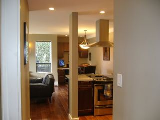 """Photo 5: 112 1424 WALNUT Street in Vancouver: Kitsilano Condo for sale in """"WALNUT PLACE"""" (Vancouver West)  : MLS®# V707285"""