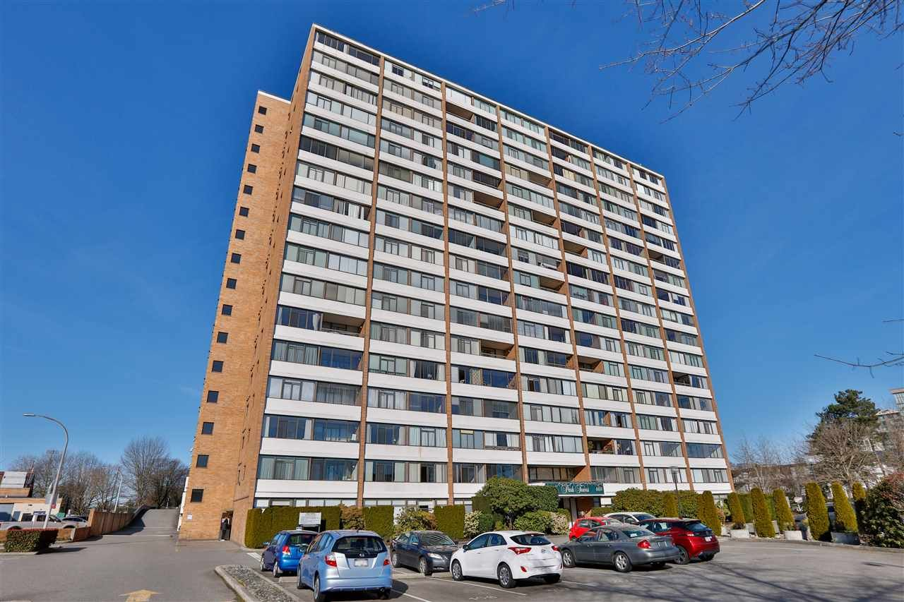 "Main Photo: 302 6651 MINORU Boulevard in Richmond: Brighouse Condo for sale in ""PARK TOWERS"" : MLS®# R2441383"