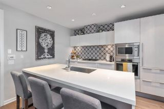 "Photo 16: 186 ATHLETES Way in Vancouver: False Creek Condo for sale in ""VILLAGE ON FALSE CREEK - BRIDGE"" (Vancouver West)  : MLS®# R2575530"
