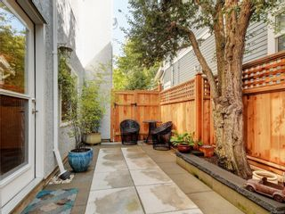 Photo 26: 2 123 Ladysmith St in Victoria: Vi James Bay Row/Townhouse for sale : MLS®# 885018