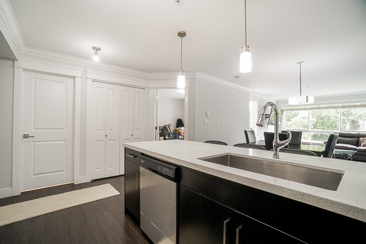 """Main Photo: 201 2268 SHAUGHNESSY Street in Port Coquitlam: Central Pt Coquitlam Condo for sale in """"UPTOWN POINT"""" : MLS®# R2485600"""