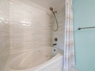 """Photo 12: 506 867 HAMILTON Street in Vancouver: Downtown VW Condo for sale in """"JARDINE'S LOOKOUT"""" (Vancouver West)  : MLS®# R2324358"""