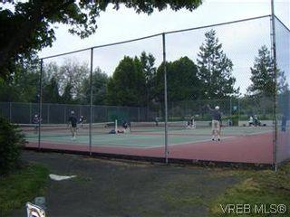 Photo 3: 108 1012 Pakington St in VICTORIA: Vi Fairfield West Condo for sale (Victoria)  : MLS®# 581958