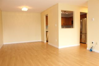 """Photo 3: 115 33490 COTTAGE Lane in Abbotsford: Central Abbotsford Condo for sale in """"Cottage Lane"""" : MLS®# R2577071"""