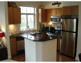 Photo 2: 109 2330 WILSON Avenue in Port_Coquitlam: Central Pt Coquitlam Condo for sale (Port Coquitlam)  : MLS®# V657811