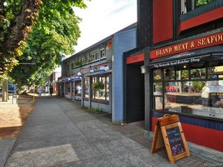 Photo 24: 203 909 Pendergast St in : Vi Fairfield West Condo for sale (Victoria)  : MLS®# 857064