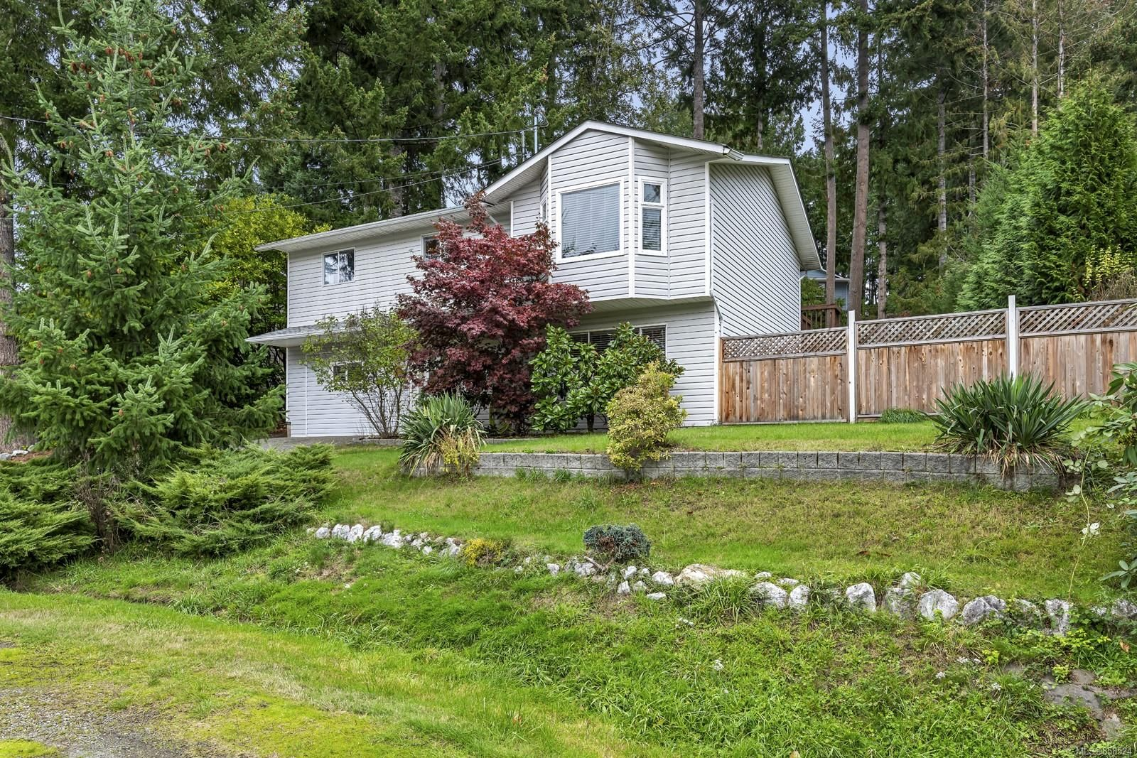Main Photo: 2815 Meadowview Rd in : ML Shawnigan House for sale (Malahat & Area)  : MLS®# 858524
