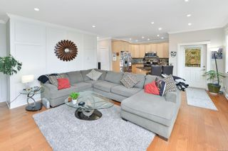 Photo 5: 796 Braveheart Lane in : Co Triangle House for sale (Colwood)  : MLS®# 869914