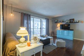 """Photo 3: 204 31855 PEARDONVILLE Road in Abbotsford: Abbotsford West Condo for sale in """"Oakwood Court"""" : MLS®# R2146127"""