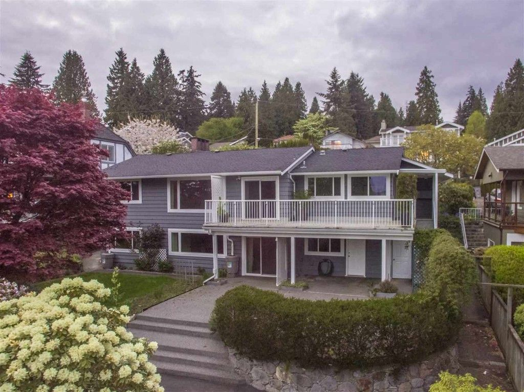 Main Photo: 1386 LAWSON AVE in West Vancouver: Ambleside House for sale : MLS®# R2057187