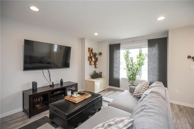 Photo 4: Photos: 19 Havelock Avenue in Winnipeg: Residential for sale (2D)  : MLS®# 1910616