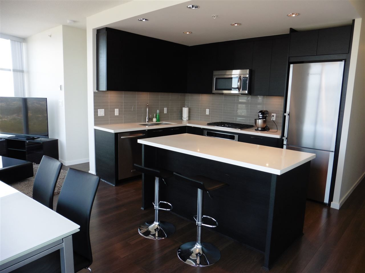 """Photo 7: Photos: 3702 4880 BENNETT Street in Burnaby: Metrotown Condo for sale in """"CHANCELLOR"""" (Burnaby South)  : MLS®# R2006395"""