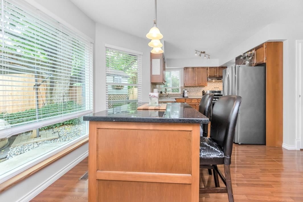 "Photo 14: Photos: 11891 CHERRINGTON Place in Maple Ridge: West Central House for sale in ""WEST MAPLE RIDGE"" : MLS®# R2600511"