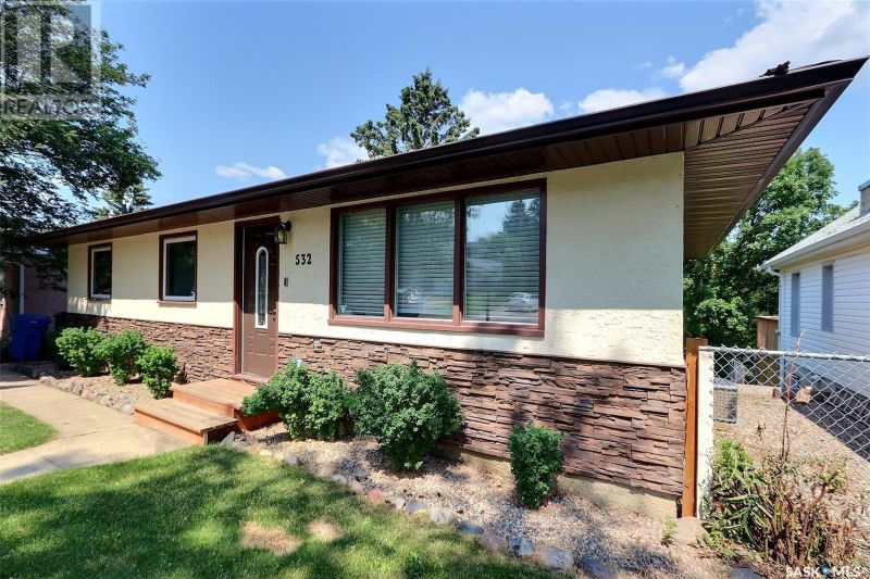 FEATURED LISTING: 532 19th ST W Prince Albert
