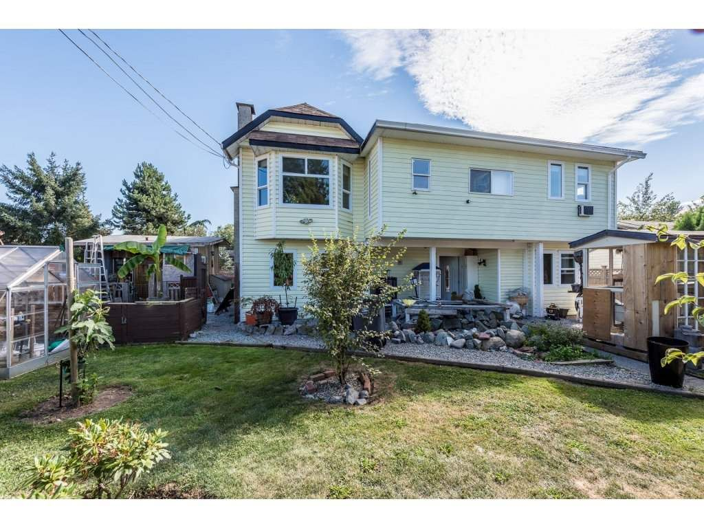 "Main Photo: 16132 96TH Avenue in Surrey: Fleetwood Tynehead House for sale in ""FLEETWOOD"" : MLS®# R2199050"