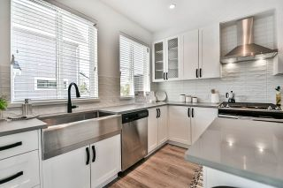 """Photo 3: 52 5945 176A Street in Surrey: Cloverdale BC Townhouse for sale in """"Crimson"""" (Cloverdale)  : MLS®# R2416464"""