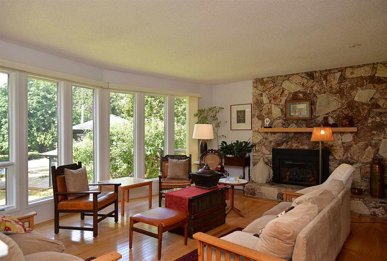 Photo 3: Photos: 3546 BEACH Avenue: Roberts Creek House for sale (Sunshine Coast)  : MLS®# R2183569