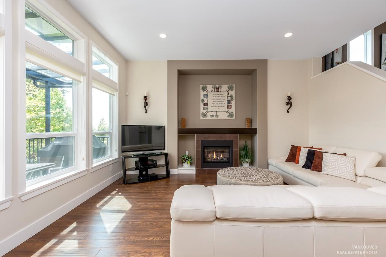 Photo 5: Photos: 1335 KERRY COURT in Coquitlam: Burke Mountain House for sale : MLS®# R2597178