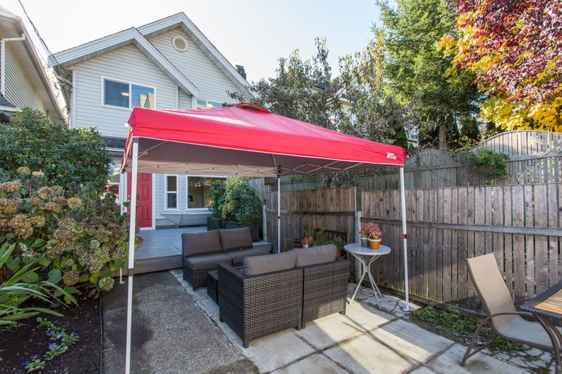 Main Photo: 637 E PENDER Street in Vancouver: Strathcona 1/2 Duplex for sale (Vancouver East)  : MLS®# R2512488