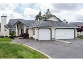 """Main Photo: 36 19649 53 Avenue in Langley: Langley City Townhouse for sale in """"HUNTSFIELD GREEN"""" : MLS®# R2583229"""