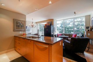 "Photo 6: 803 15152 RUSSELL Avenue: White Rock Condo for sale in ""Miramar"" (South Surrey White Rock)  : MLS®# R2532096"