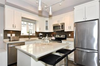 """Photo 9: 209 2273 TRIUMPH Street in Vancouver: Hastings Townhouse for sale in """"Triumph"""" (Vancouver East)  : MLS®# R2412487"""