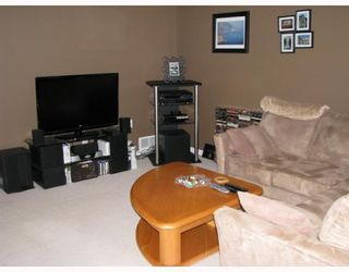 "Photo 8: 56 758 RIVERSIDE Drive in Port_Coquitlam: Riverwood Townhouse for sale in ""RIVERLANE ESTATES"" (Port Coquitlam)  : MLS®# V765260"