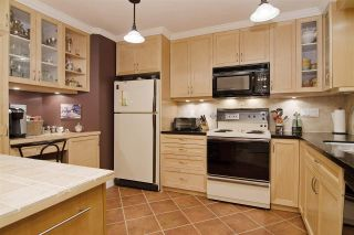 Photo 2: 216 121 W 29TH Street in North Vancouver: Upper Lonsdale Condo for sale : MLS®# R2045680