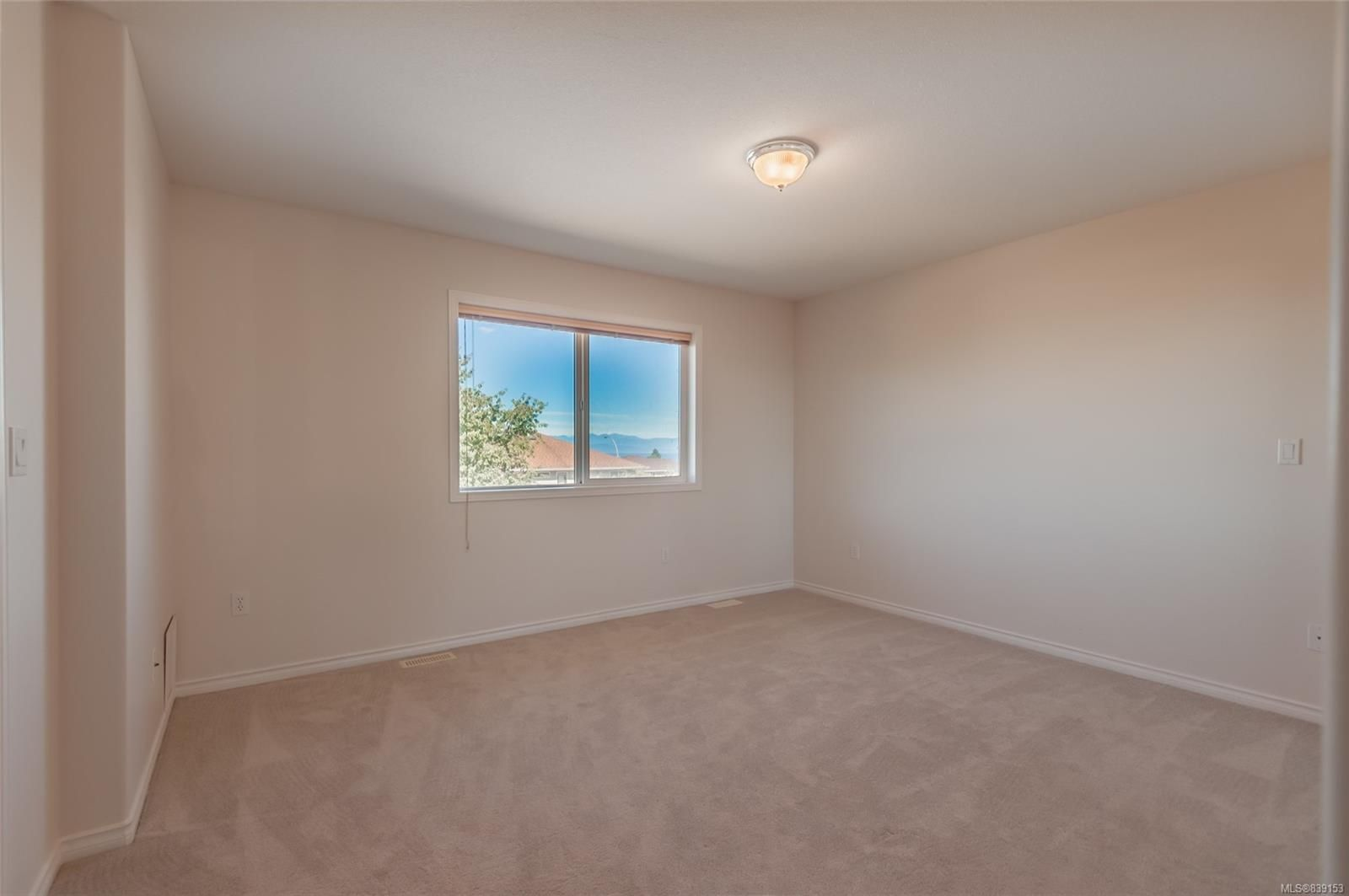 Photo 5: Photos: 6412 Dover Rd in NANAIMO: Na North Nanaimo House for sale (Nanaimo)  : MLS®# 839153