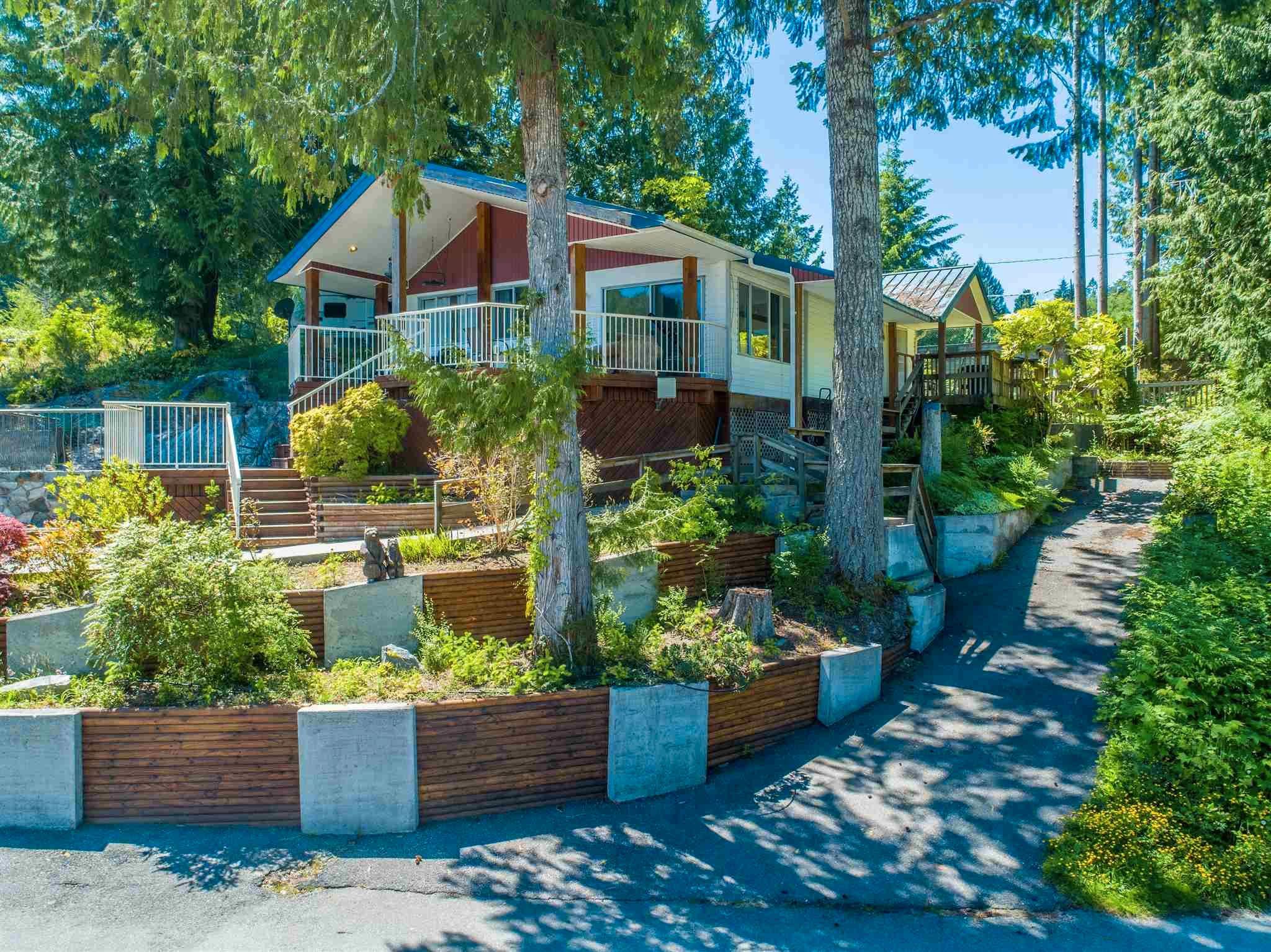 Photo 13: Photos: 6781 BATHGATE Road in Egmont: Pender Harbour Egmont House for sale (Sunshine Coast)  : MLS®# R2593981