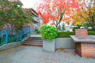 """Photo 17: 302 335 CARNARVON Street in New Westminster: Downtown NW Condo for sale in """"KINGS GARDEN"""" : MLS®# R2320982"""