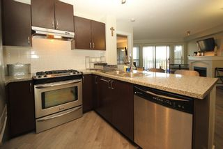 """Photo 4: 307 3110 DAYANEE SPRINGS Boulevard in Coquitlam: Westwood Plateau Condo for sale in """"LEDGEVIEW"""" : MLS®# R2229127"""