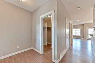 Photo 3: 4075 Allan Cres SW in Edmonton: Ambleside House Half Duplex for sale : MLS®# E4151549
